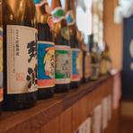 利き酒師の資格を持つシェフが選ぶ、全国各地の日本酒を堪能