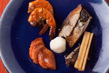 海の幸のこだわり燻製『自家製魚介のスモーク盛り』