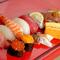 旬の魚介類を堪能できる『 寿司 おまかせコース』
