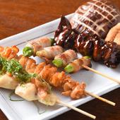 錦爽どりの串と季節の野菜を盛り合わせた大満足の一皿『串盛り』(5本)