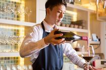今宵はワイン?日本酒?ソムリエが最良の一杯をセレクトします