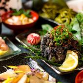 地鶏の肉汁と炭の香りが食欲をそそる『京赤地鶏の炭炙り焼き(中)』