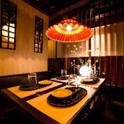 鮮魚の盛り合わせ、鶏すき鍋などの選べる鍋をメインとしたプラン。ご満足いただけること間違いなし!