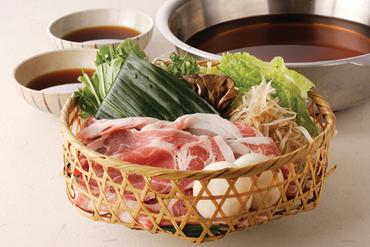 甘みのある肉と、みずみずしい京野菜の美味しさををシンプルに味わえる『京豚と京野菜のしゃぶしゃぶ』