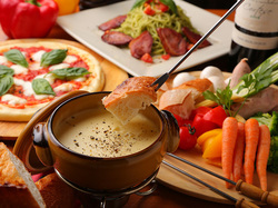 新鮮野菜、厳選お肉などを使った、テンパール特製!とろける濃厚チーズフォンデュが楽しめるコースです♪