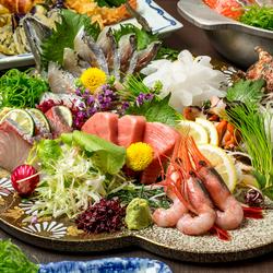 最大3時間の飲み放題付宴会プラン♪ お造りの盛り合わせや寒ブリのみぞれ鍋などの鮮魚を存分にご堪能下さい