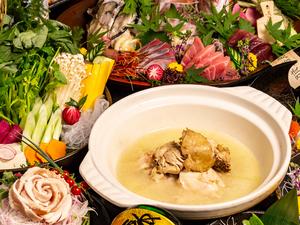 厳選素材をふんだんに使用。鶏の濃厚な出汁の旨みを堪能できる『鶏の水炊き鍋』