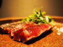発酵させつつ熟成させた『自家製 発酵熟成肉 薪焼きサーロインステーキ』