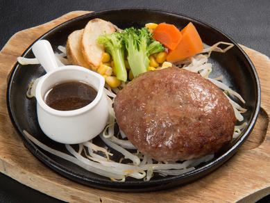 牛肉を100%使用したシンプルかつボリュームのある絶品ハンバーグ『和風ハンバーグ』
