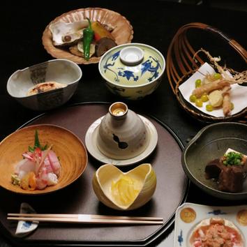 ◇四季折々の旬の素材を使った日本料理を堪能 13000円コース
