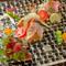 厳選した旬の鮮魚を贅沢にいただける『鮮魚のカルパッチョ 三種盛り合わせ』
