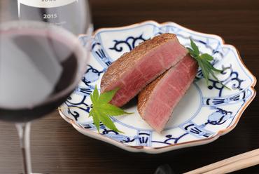 肉汁と旨みを逃さず、しっとり柔らかに焼き上げた極上の『フィレステーキ』