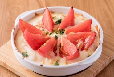 佐賀県産のトマト1個が入っている『まるごとトマトドリア』