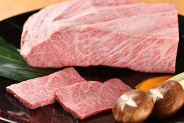 肉の魅力を伝えてくれる『ザブトン』