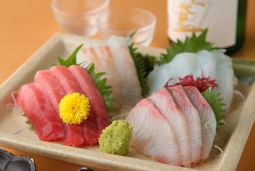 新鮮な魚介類を、その日のおすすめで『ちょい盛り』 2名様