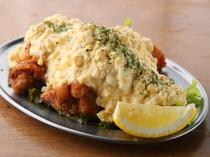 本場宮崎県の味を再現。マイルドな味わいの『チキン南蛮』
