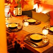 プライベートに楽しめる個室席を用意。くつろぎの空間でお食事を