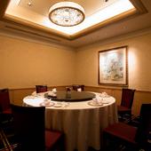 各種宴会や会食など、さまざまなシーンで活躍する個室完備
