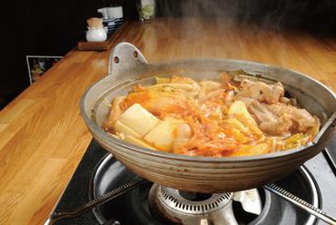 低価格でも味は本格派! マイルドな辛さが後を引く『キムチ鍋』
