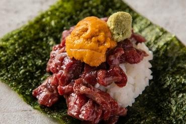 スイスで人気のチーズ料理『卓上で楽しめる旬野菜とお肉のラクレット』1人前