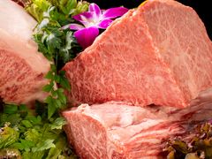 黒ウーロン茶とお肉3品、ライス大付き!