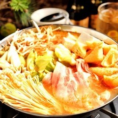 人気の鍋2種(チゲ鍋 or 豚骨鍋)より選べる、飲み放題付宴会コース!どちらも絶品です♪