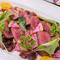 極上赤身ステーキ『黒毛和牛 鹿児島産 黒牛もも肉のビステック カシスソース』