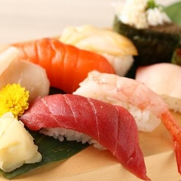【120分飲み放題付全8品】お寿司付定番さぶろうコース2,780円