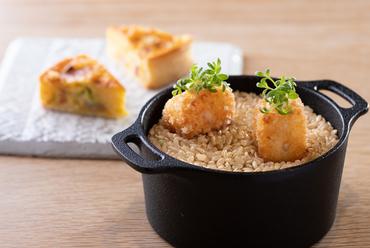 鳥取県産食材がギュッと詰まった『前菜・キッシュとカニクリーム』