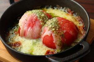きちんと下ごしらえが施され、グリルパンで焼き目をつけた温野菜でいただく『バーニャカウダ』