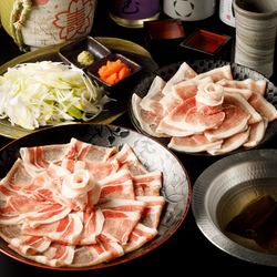 九州が誇るブランド豚である『霧島黒豚』をご堪能頂けますご宴会コースとなっております!!