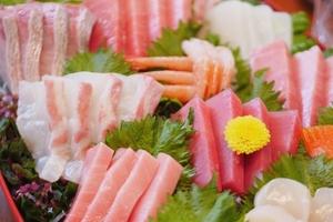 鮮度抜群! 季節の鮮魚を味わえる『お造り盛り合わせ』