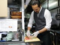 お客様の満足のために。美味しい料理と居心地の良い空間