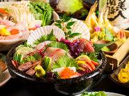 プリップリの鮮魚を豪快に盛り付けた『鮮魚の豪華五点盛り合せ』