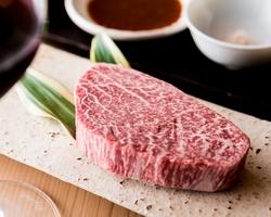 最高級肉7種、全16品コース。 グルメな方の接待や顔合わせなどにどうぞ。