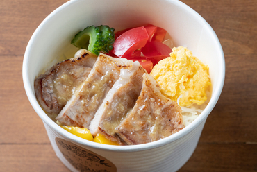オリジナルのしょうがソースを使った『上州ポークのしょうが焼きランチ』に心もお腹も大満足