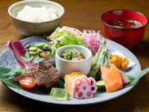 お客様への料理の提供はタイミング重視で、心地良い時間を演出