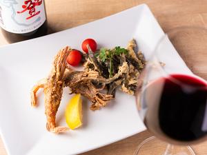 金沢のソウルフードを唐揚げで食す。お酒のつまみにぴったりの『がすエビ&ドジョウの唐揚げ』