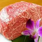 上質な和牛を1頭買い。いろいろな部位を食べられるのが嬉しい