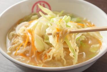野菜たっぷりでつくるやさしい味の『タンメン』