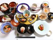 『季節のおすすめコース』など、旬の味覚で彩る4種のコースが人気