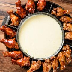 メインの若鶏のハーブチキン焼きはふっくらとジューシーな若鶏を使用!
