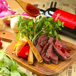 牛たんの中でも特にやわらかい部分「芯たん」を厚切りに。牛たん特有のプリッとした食感をお楽しみください