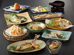 武文を代表する自慢のコース!新鮮なお造りや白海老の姿揚げ、ブリの焼き物や天ぷらをご堪能下さい。