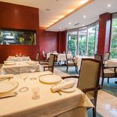 ご法要後の食事にも対応。幅広い年代の方に優しい空間と料理を