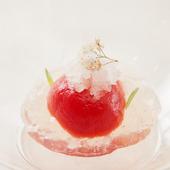 極甘トマトと庭の菩提樹で彩るデザート『トマトのコンポート』