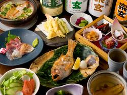 """石川県輪島漁港のブランド""""のどぐろ""""を余すところなく味わい尽くす特撰コースです。"""