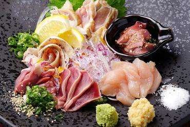 新鮮だからこその一皿。それぞれの味わいや食感を楽しみたい『刺身盛合せ』