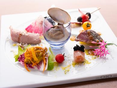 バラエティ豊かな旬の山海の幸を満喫『旬の彩り前菜 いろいろ盛合わせ』