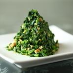 ツリーのように盛り付けられた、見た目が可愛い上海料理の定番おひたし『馬蘭頭(マァーラントウ)』